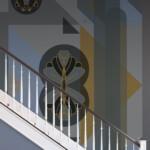 art décoration escalier papier peint gris